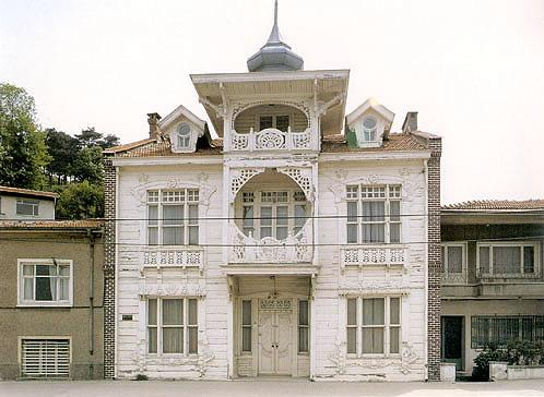 Wooden House, Sariyer