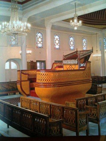 Tevah (the Ark) from behind, Ahrida Synagogue